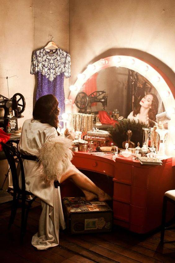 How The Vintage Vanity Became The Modern Makeup Table