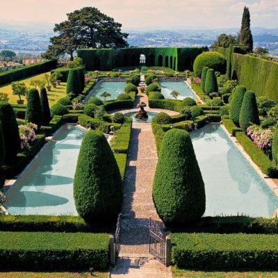 10 Binge-Worthy Shows About Palaces & Gardens On Netflix