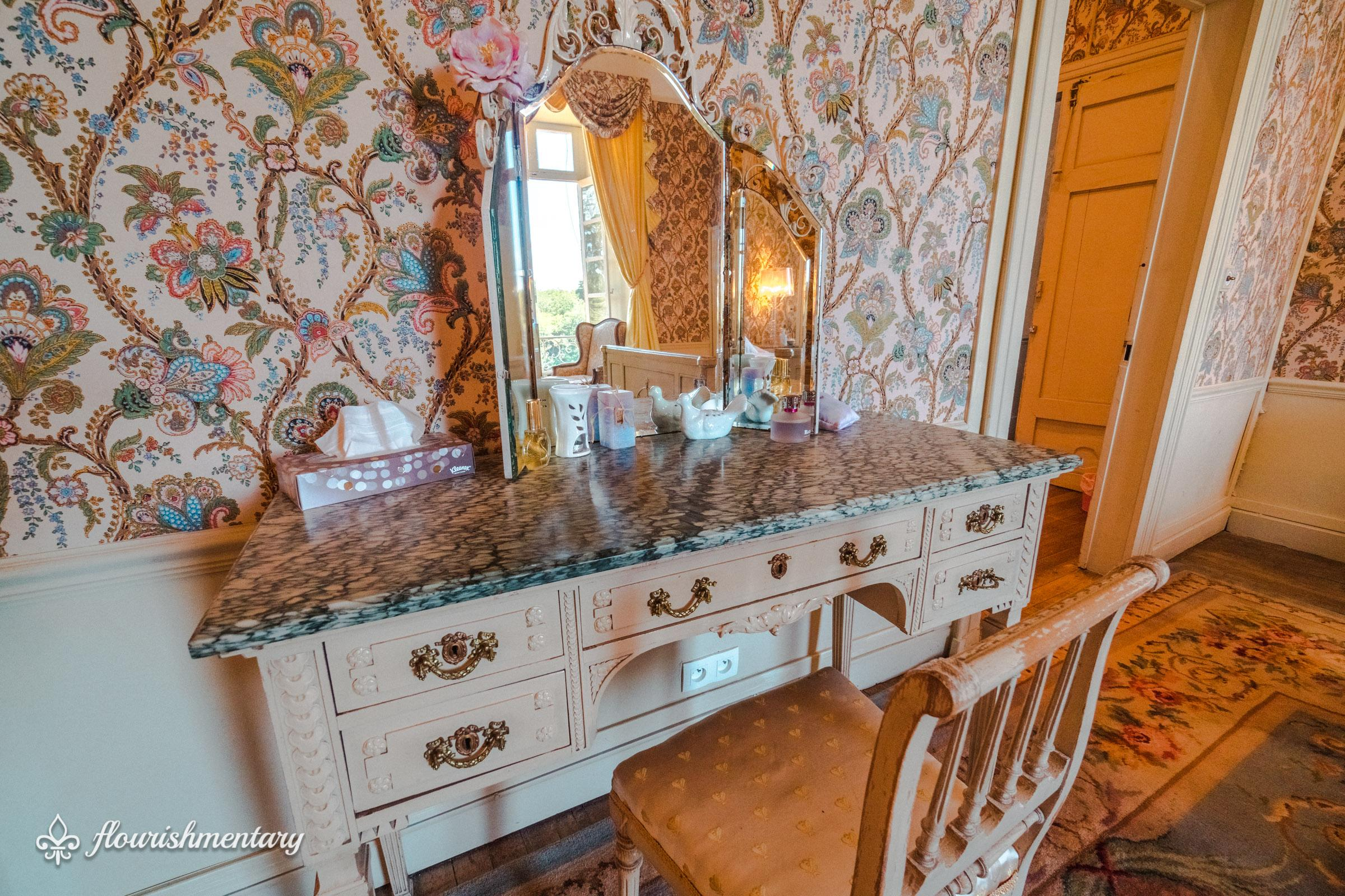 vintage vanity table chateau de lalande