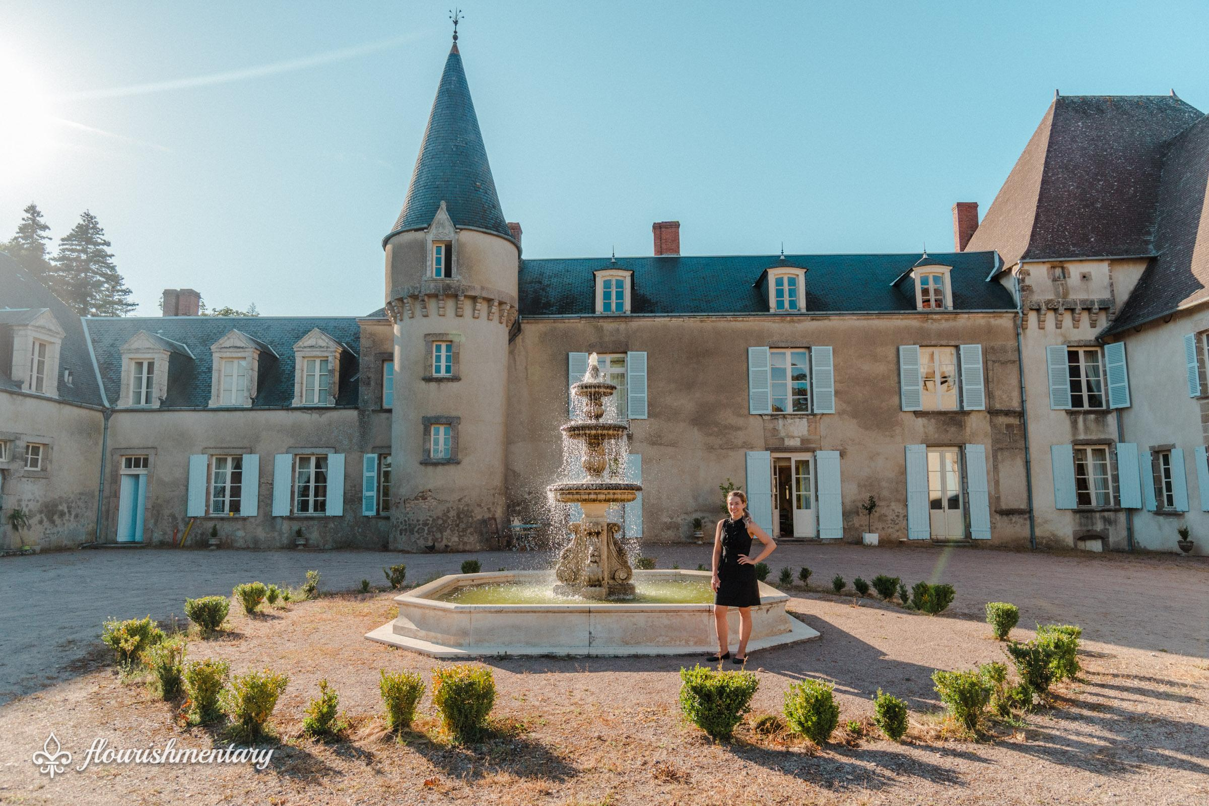 taylor in front of chateau de lalande
