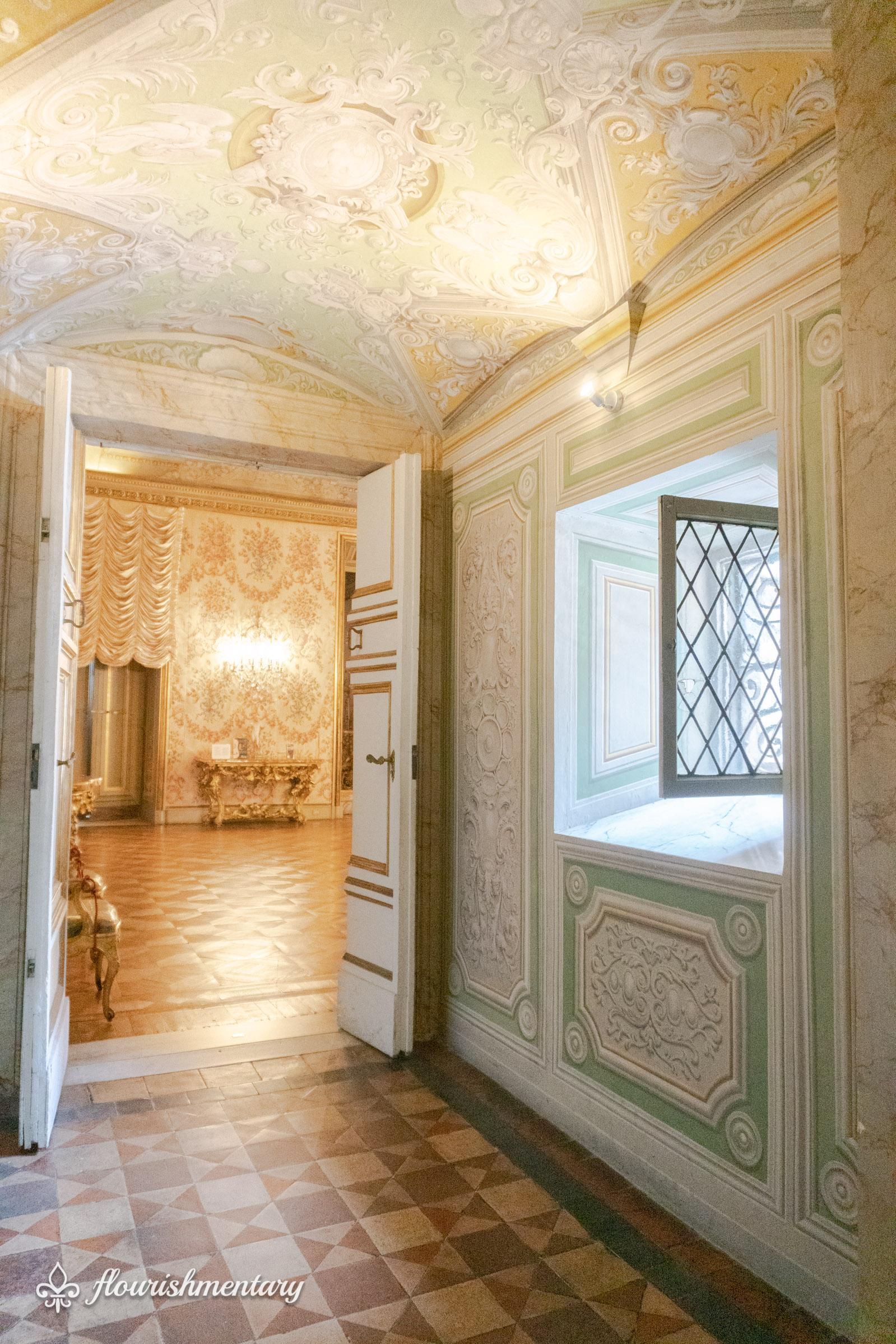 Hallway leading to the Doria Pamphilj chapel