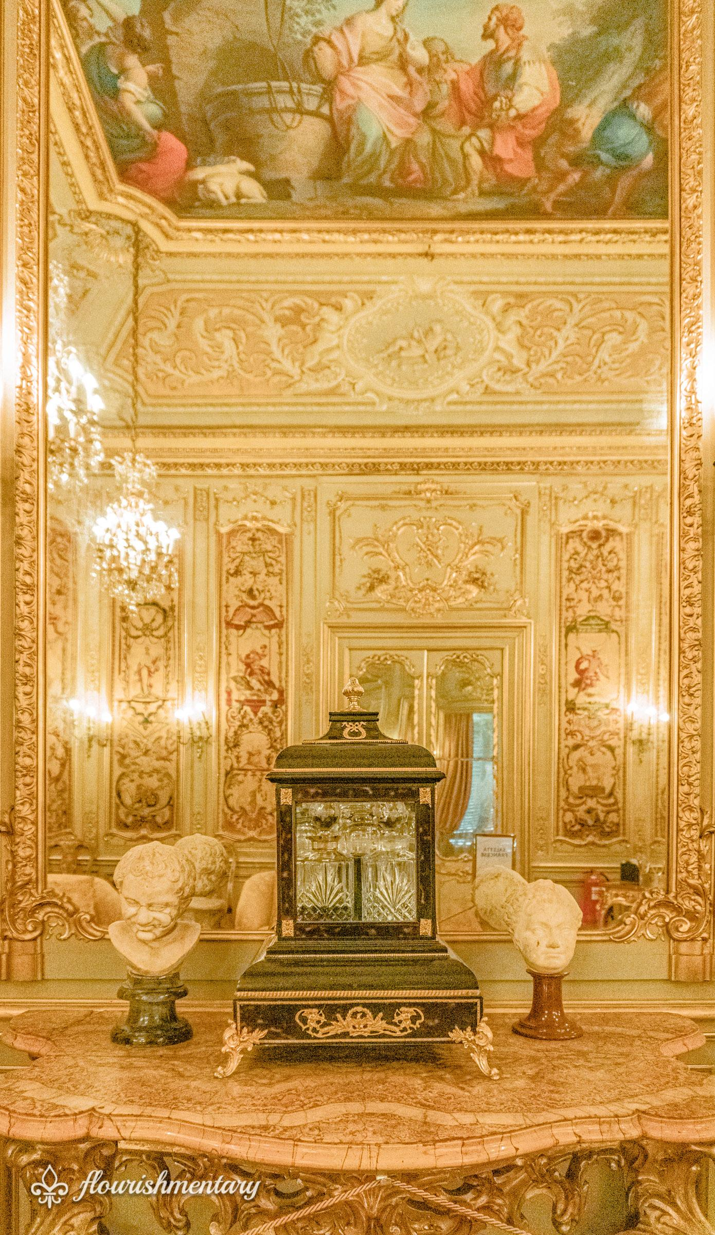 Decorative antiques inside the private apartments