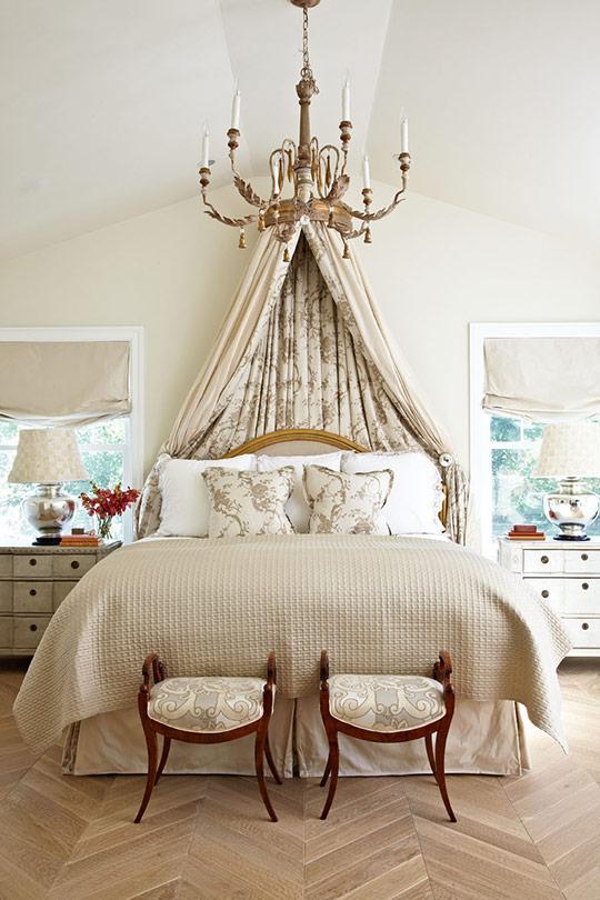 romantic bedroom canopy bed