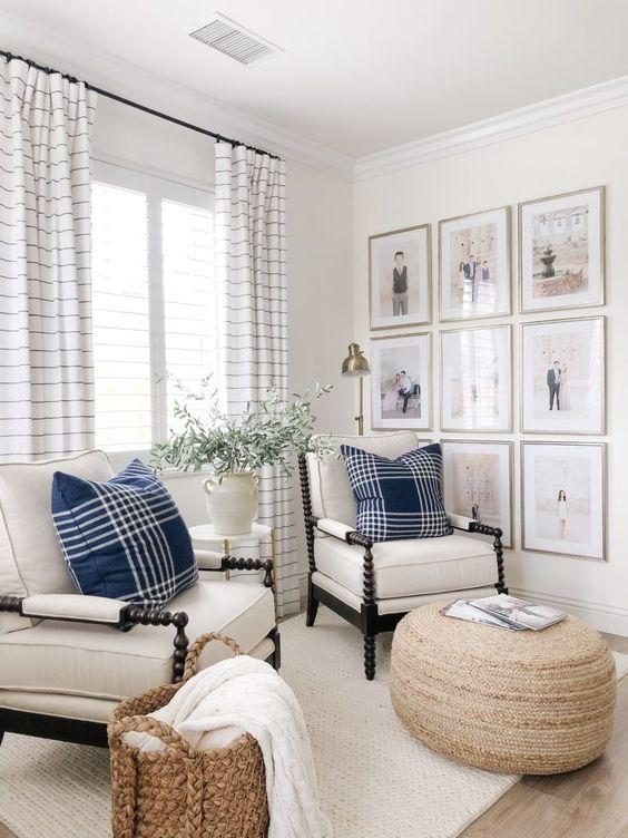 traditional living room blue and white