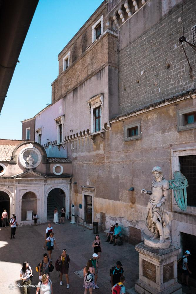 Castel Sant'Angelo courtyard
