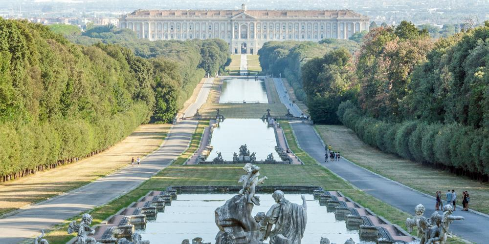 Virtual castle Tour of The Royal Palace of Caserta