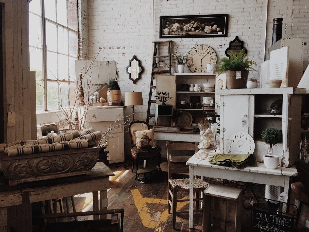 buying vintage decor online