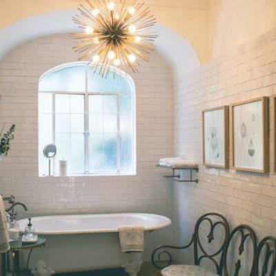 7 Beautiful Decorating Ideas For A French Country Bathroom